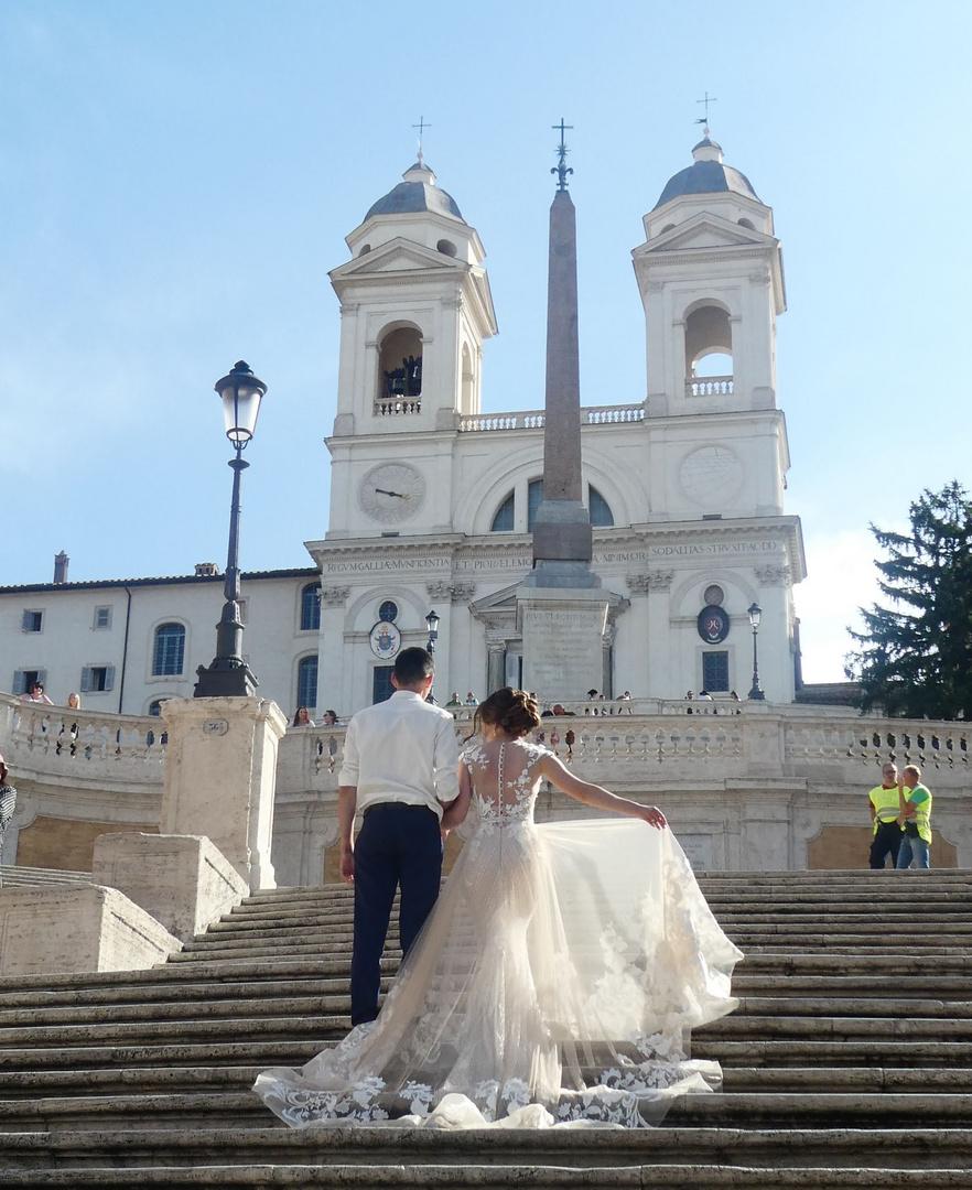 Spanische Treppe in Rom - beliebter Ort für Hochzeitsfotos