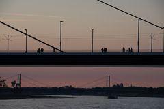 Spaziergang auf der Brücke
