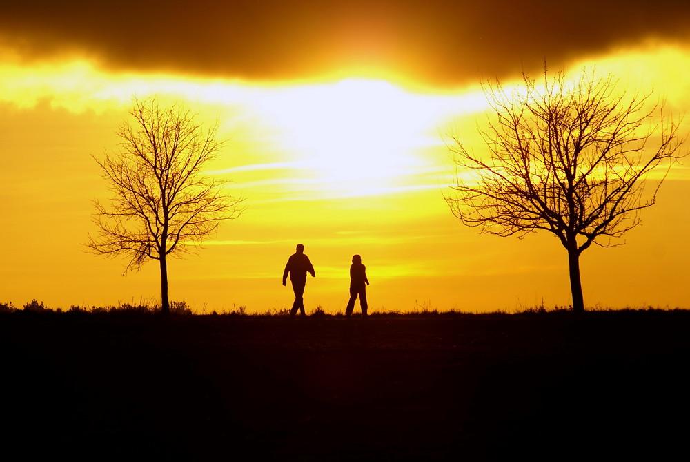 Spaziergang beim Sonnenuntergang