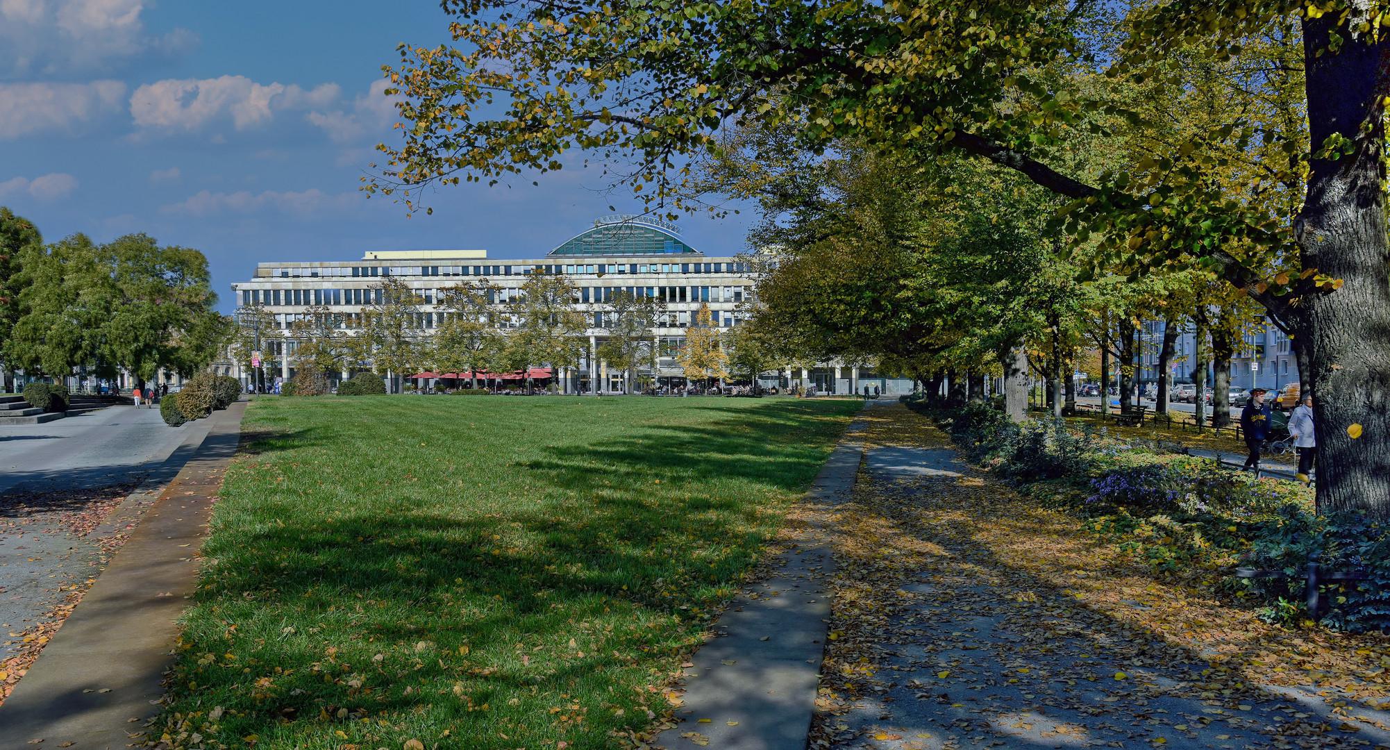 Spaziergang im Herbst durch Potsdam