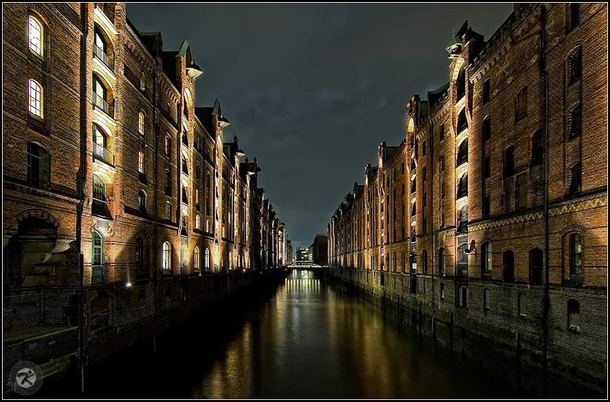 < Speicherstadt Hamburg >