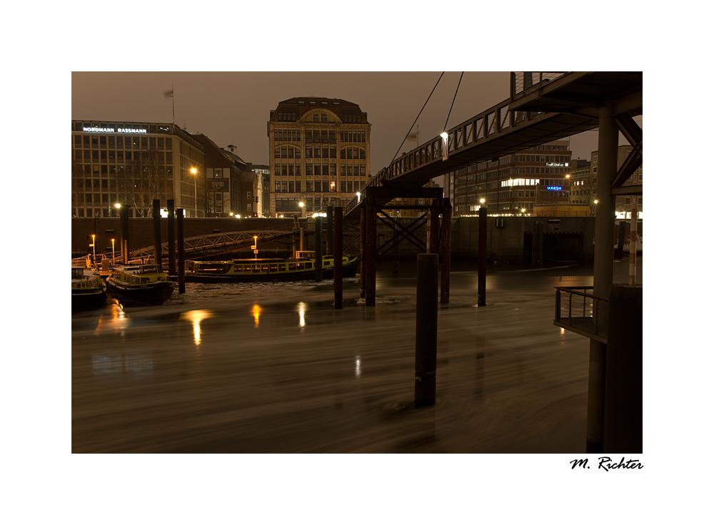 Speicherstadt im Fluss