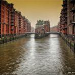 Speicherstadt zu Hamburg ... es geht kein Weg vorbei