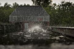 Sperrwerk Heil im Regen