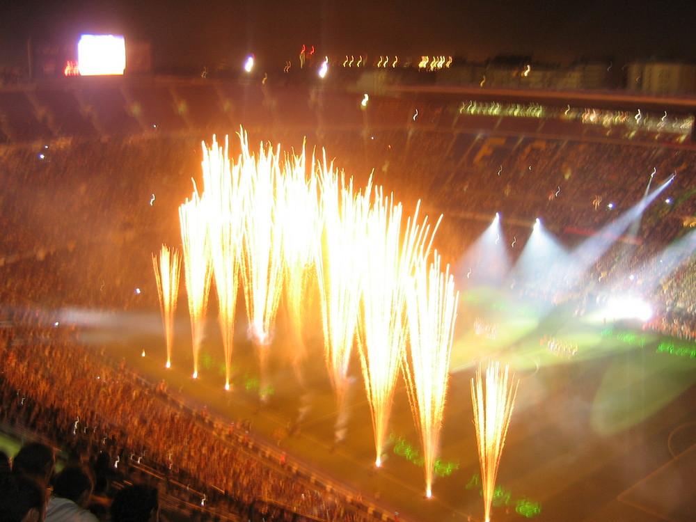 Spettacolo al Camp Nou di Barcellona