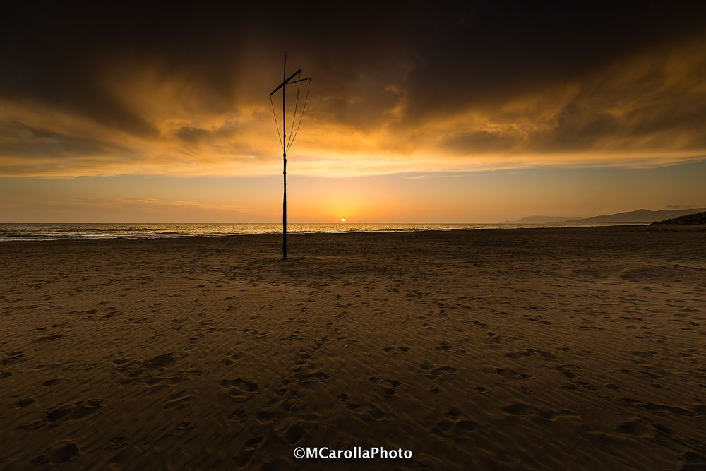 Spiaggia invernale al tramonto