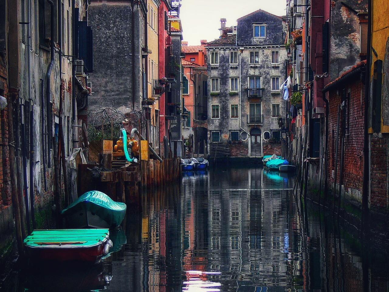 SPIEGEL AM Dienstag ......( Venedig bei Tag SPIEGEL )