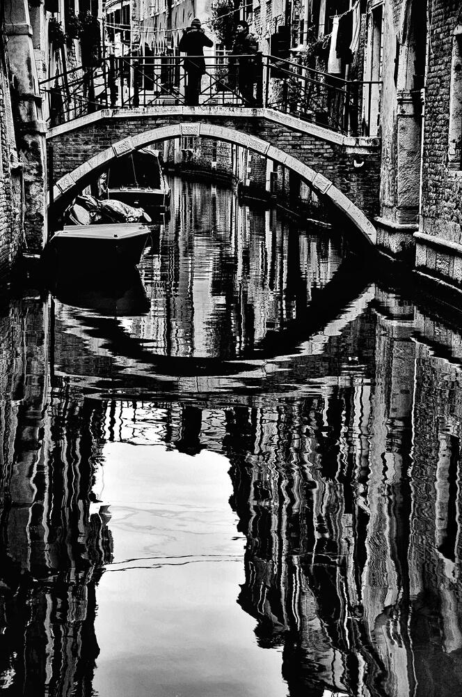 SPIEGEL AM Dienstag .......(Venedig SPIEGEL)