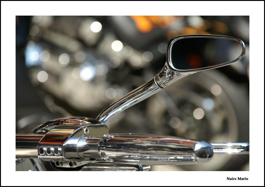 Spiegel einer Harley