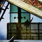 SPIEGEL Winkender RT p-21-15-col +Fotos