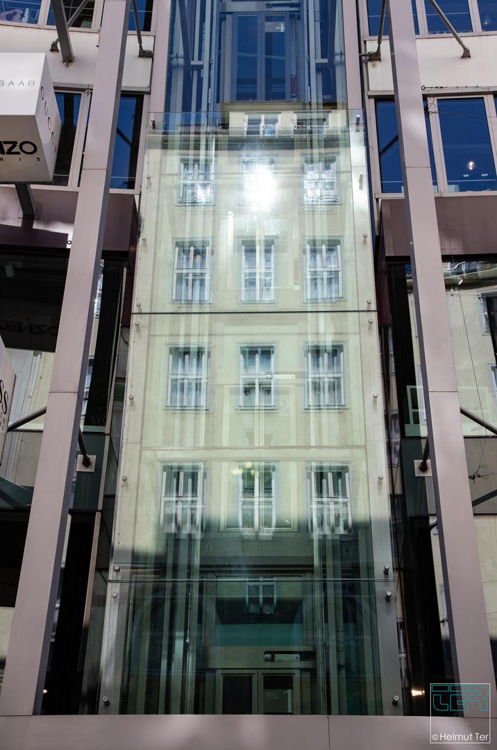 Spiegelei - Haus im Lift