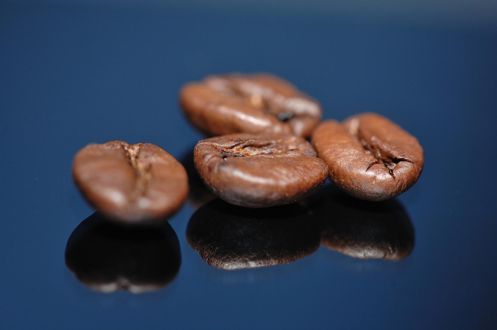 Spiegelnde Kaffeebohnen
