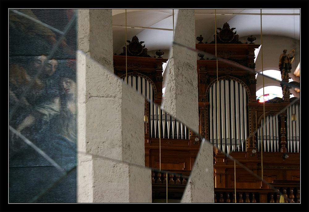 Spiegelsäule 02 - Die Orgel