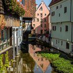 Spiegelszene an der Blau in Ulm