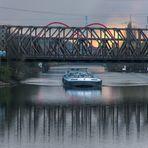 Spiegeltag - auf dem Kanal