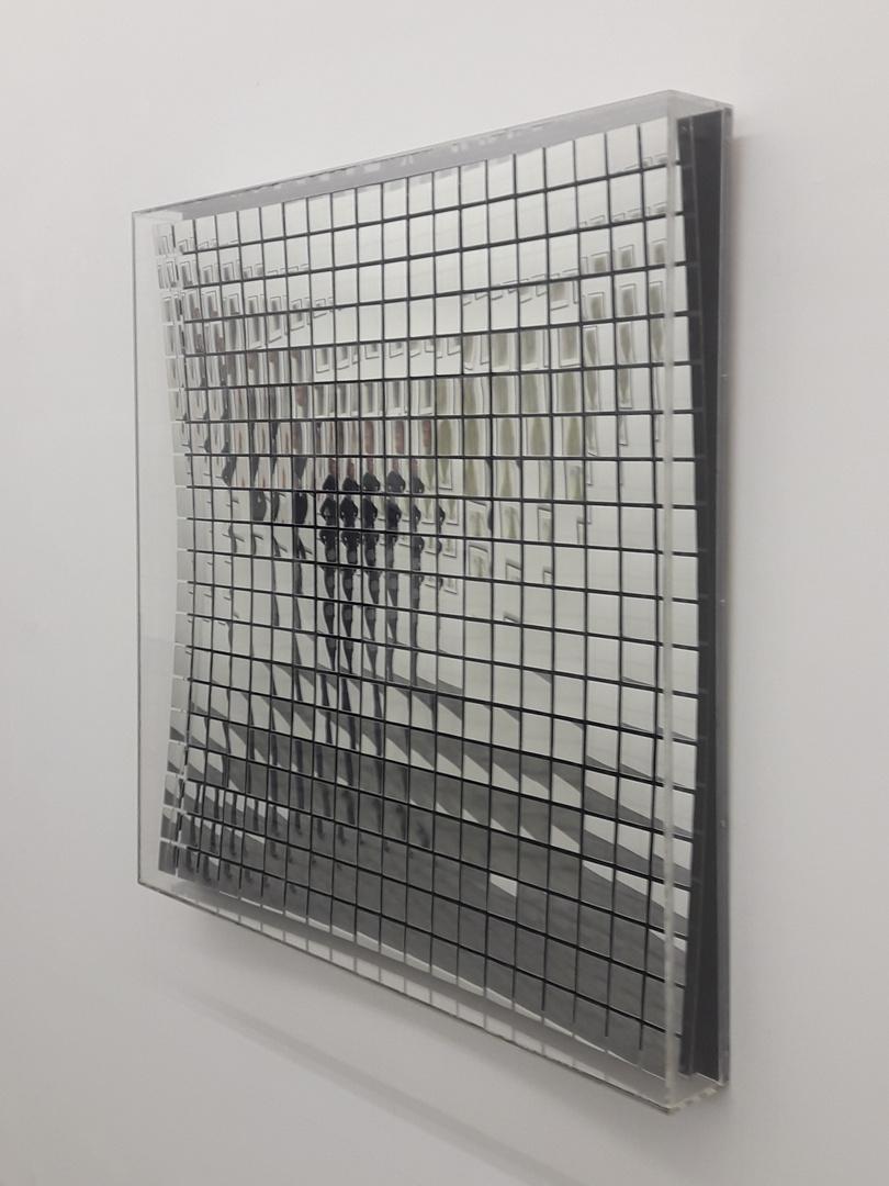 Spiegeltag - der Spiegel mit Seitenansicht
