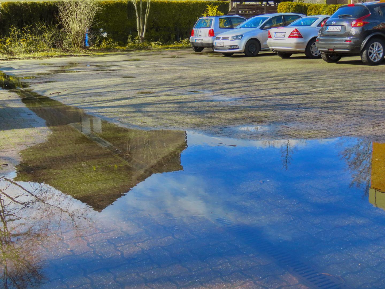 Spiegeltag (Foto v. gestern) : ... hier wurde erst kurz vor Mittag die Sonne wieder wach,