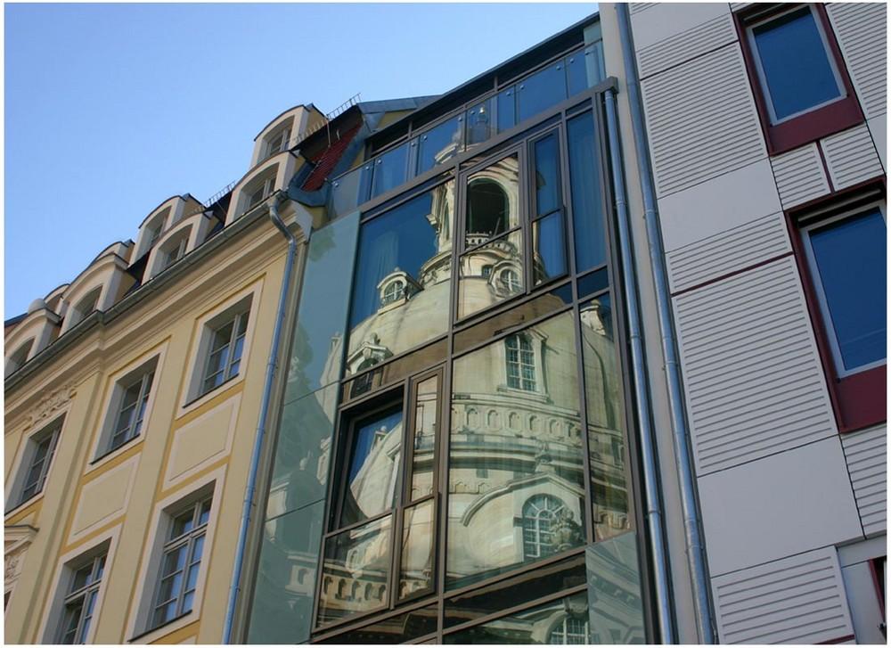 Spiegelung am Dresdner Neumarkt