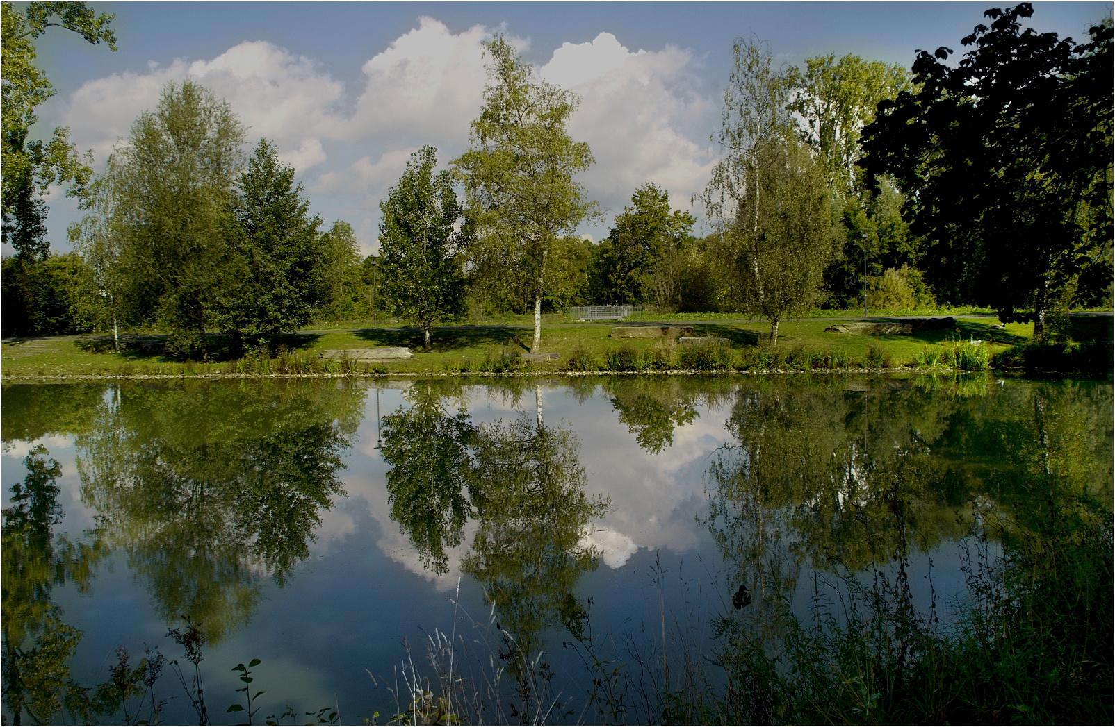 ~~Spiegelung am Teich~~