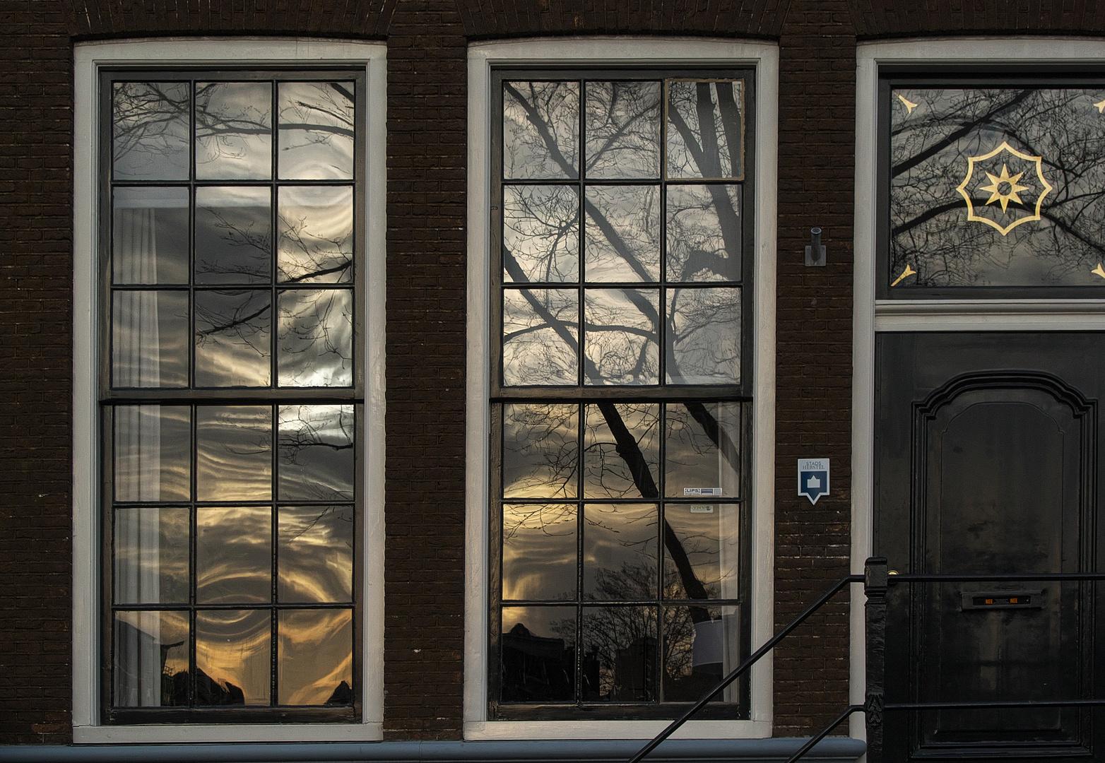 Spiegelung an einem Fenster