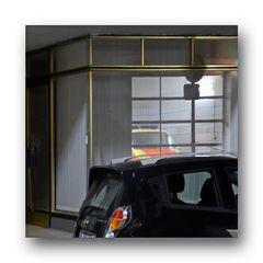 ....Spiegelung auf Schaufenster, Arrenbergerstraße