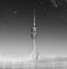 Spiegelung im See, sw-bearbeitet