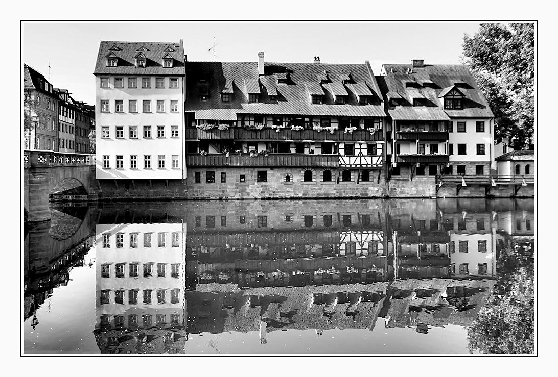 spiegelung in s.-w. in nürnberg ...