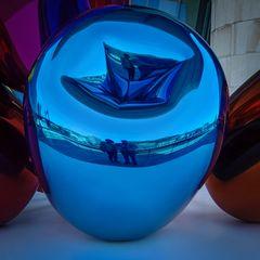 Spiegelung macht den Betrachter zum Teil des  Kunstwerks