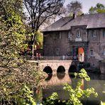 Spiegelung Schloss Rheydt ...