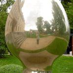 Spiegelung vom Schloss Ribbeck im Havelland