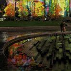 Spiegelung vor dem Berliner Dom ....