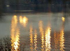 Spiegelungen auf dem See