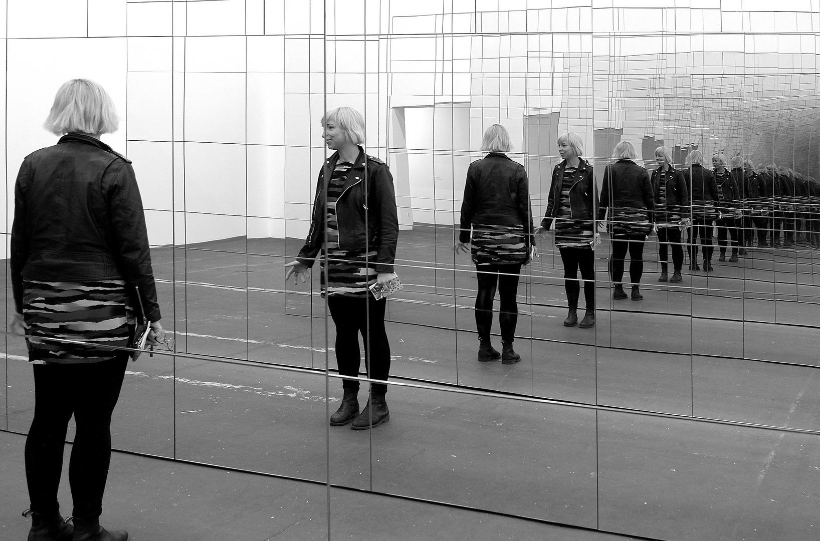 - Spiegelungen -