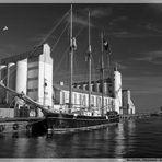Spiegelungen im Hafen von Nexø III
