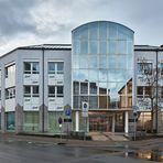 Spiegelungen im Kundenservice-Center der SWK in der Bismarckstraße in Kaiserslautern.