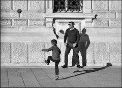 Spiel mit Ball und Schatten - 3