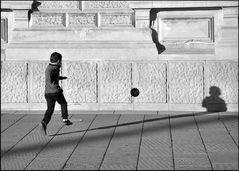 Spiel mit Ball und Schatten - 5