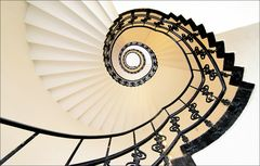 * spiral staircase * *°°°