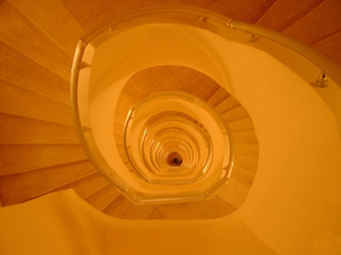 Spirale 2 - Hotel-Treppenhaus
