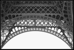 Spitzenhäubchen aus Paris