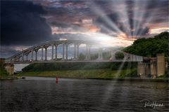 Spoorbrug over het Albertkanaal .....