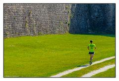 Sport im Schatten der Festungsanlage