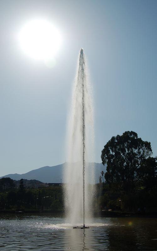 Springbrunnen im Gegenlicht [BF]