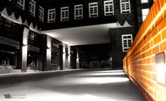 Sprinkenhof in SW/Farbe bei Nacht