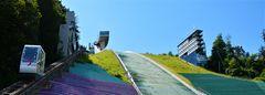 Sprungschanze auf dem Bergisel mit Kabinenbahn