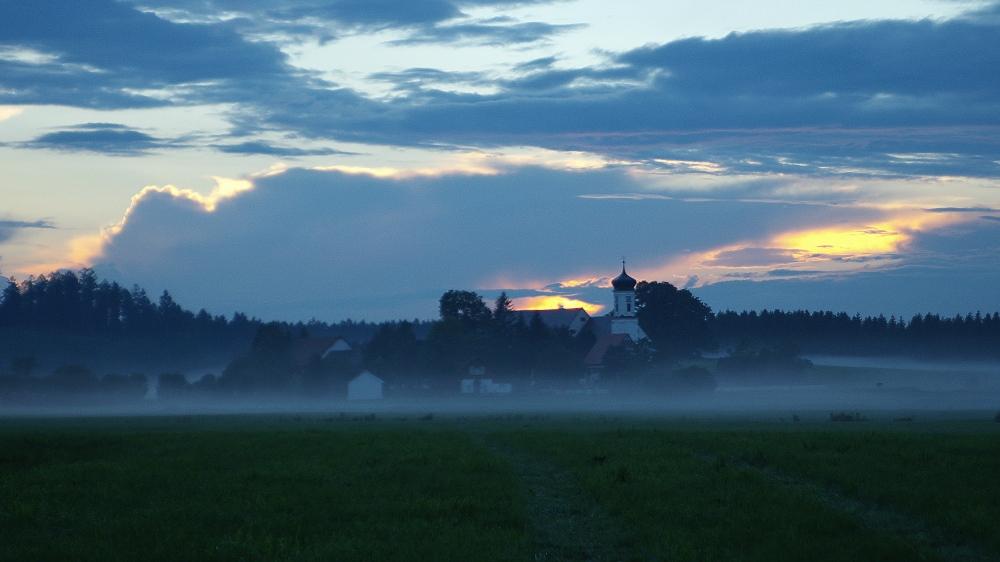Spur in den Nebel