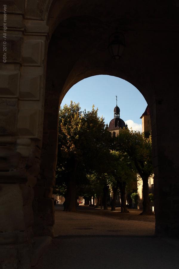 ...St-Antoine de l'Abbaye (Isère)...