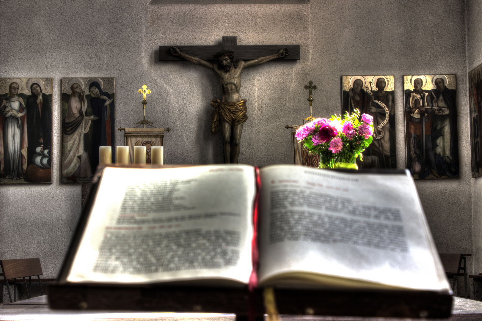 St. Georg Kirche - Bibel