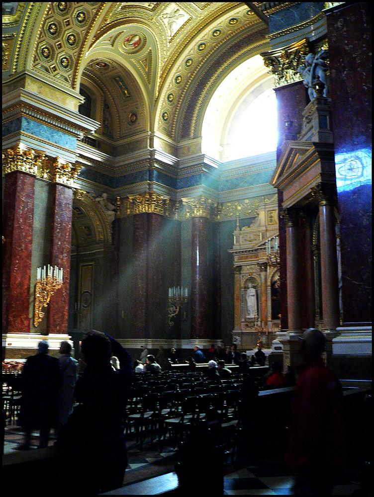 St. Istvan, Budapest - Lichteinfall
