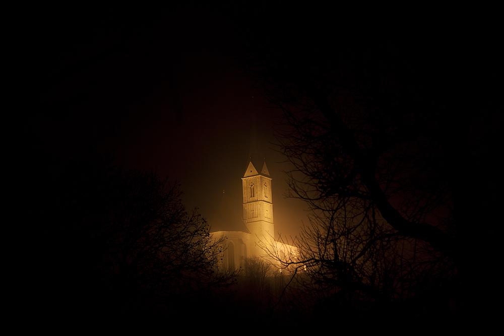 St. Leonhard bei Nacht